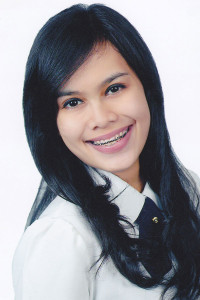Sarah Sicilia Pelawi (Mpok Sarah)